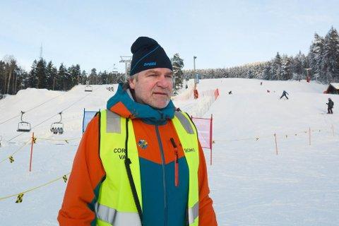 Daglig leder i Skimore Drammen Erik Graaberg tror mange vil finne veien til bakken når sola titter fram.
