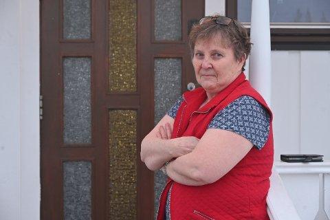 SJOKK: Mona Henriksen forsto ikke hva som hadde skjedd da hun så flere politifolk utenfor i nabolaget. Så fikk hun melding av Lier kommune om skred og evakuering.