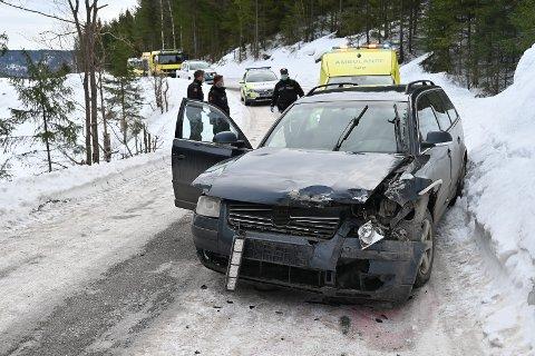 Bilen som var involvert i ulykken fikk seg en skikkelig smell.