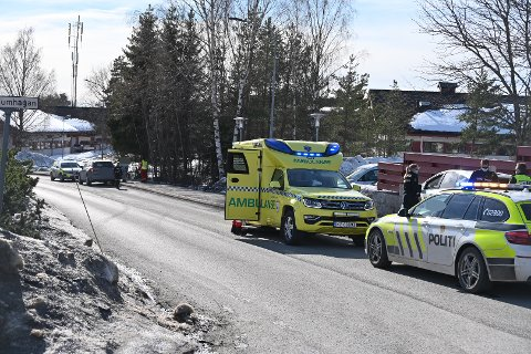 Det var mandag ettermiddag at to personbiler var involvert i en ulykke på Tranby.