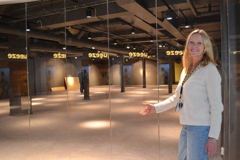 Senterleder Marianne Mevik viser stolt frem lokalene hvor Barnas Hus skal flytte inn i juni.