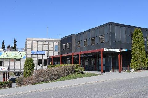 Drammen Fysioterapi må holde stengt enn så lenge, på grunn av koronasmitte.