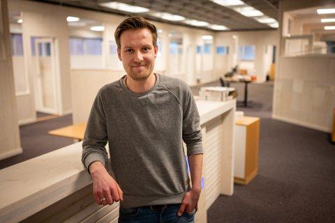 GLAD I TREVERK: Kjell Ole Sønsteby (27) er en av de om lag 40 som har begynt i Splitkon de siste par årene. Foto: Rune Folkedal