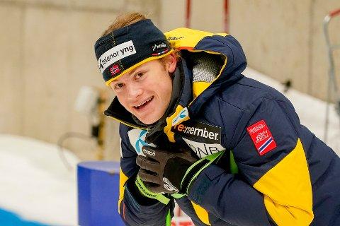 Alpinist Lucas Braathen er tilbake etter skade og står på ski på SNØ på Lørenskog fredag.