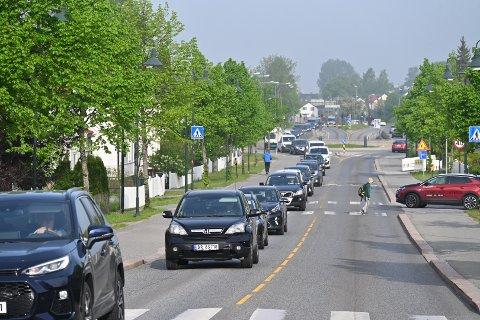 KØ: Her står køen i Rosenkrantzgata tirsdag morgen.