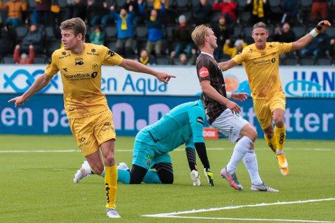 Bodø/Glimts Sondre Sørli scorer kampens første mål (1-0) under eliteseriekampen i fotball mellom Bodø/Glimt og Mjøndalen på Aspmyra stadion.
