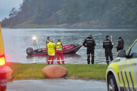 LETEAKSJON: Nødetatene søkte etter mannen både til lands og til vanns gjennom natten.