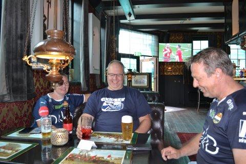 SPENTE: Hilde Fredriksen (53), Jan Tore Haare (50) og Per Arne Bredesen (56) før Ælv Classico