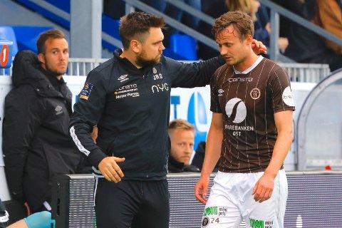 SKADE: Mjøndalens Ole Amund Sveen måtte ut med skade i eliteseriekampen mellom Kristiansund og Mjøndalen på Kristiansund Stadion.