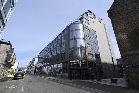 FIKK HJELP: På dette hotellet på Grønland i Drammen hevdet kvinnen seg utsatt for ran. Hun fikk hjelp av resepsjonisten. Mannen er tidligere dømt for ran av prostituerte og voldtekt av ei prostituert.