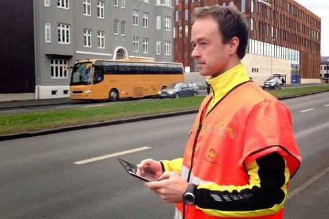 Snorre Hansen i veivesenet forteller at trafikken er tilbake til et høyere nivå en før pandemien. I tabellen under kan du se utviklingen på noen av dine hovedfartsårer.