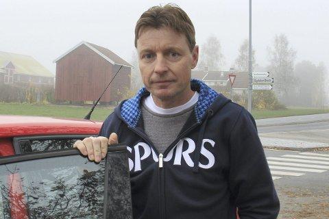 Dyrt: I 23 år har Arne Bonsak pendler mellom Kongsberg og  jobben på Hassel Fengsel i Skotselv. Med Buskerudpakke 2 har han regnet ut at han må  ut med cirka 30.000 mer i bompenger i året.
