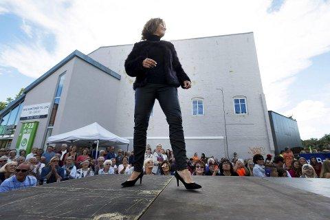Modell: Ordfører Ann Sire Fjerdingstad er klar for flere runder på catwalken.