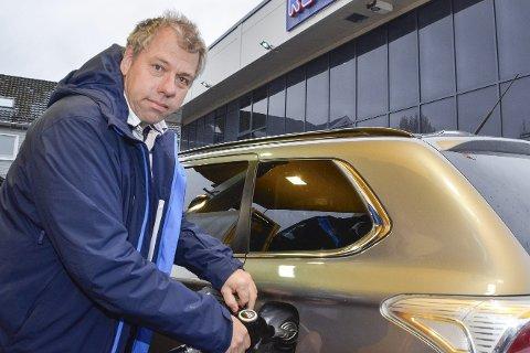 Tvungen lønnsnemnd: Sven Jøntvedt fra Hokksund, tror myndighetene snart vil gripe inn med tvungen lønnsnemnd, slik at energistreiken snart vil være over.