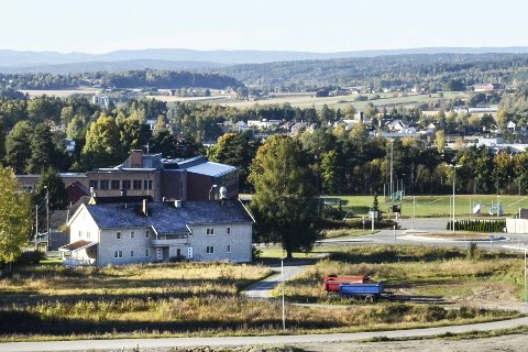 Kiwi:  Det gamle  Internatbygget på Lerberg er solgt for 20.5 millioner kroner, og etter det Eikerbladet kjenner til vil trolig Kiwi etterhvert åpne ny butikk på eiendommen.     Foto: Thormod R. Hansen