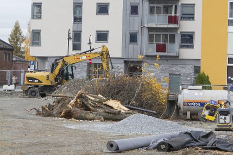 Mjøndalen: Grunnarbeidene til tredje byggetrinn av Torgkvartalet i Mjøndalen påbegynnes nå.        Foto: Anders Kongsrud.