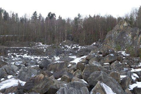 BOLIGFELT: I dette kalkbruddet i Åsen kan det bli bygget 65 nye boliger.