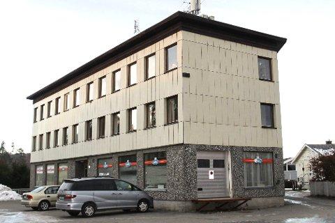 Leilighetsbygg: Tidligere forretninger som Trombo og Ringo har vært etablert i Hellefossveien 50. Nå blir det leiligheter i hele bygget.