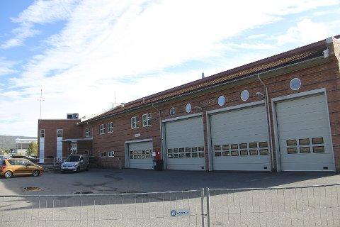 Skal utredes: Dagens brannstasjon i Mjøndalen kan utvikles til noe annet, tror politikere i Nedre Eiker.