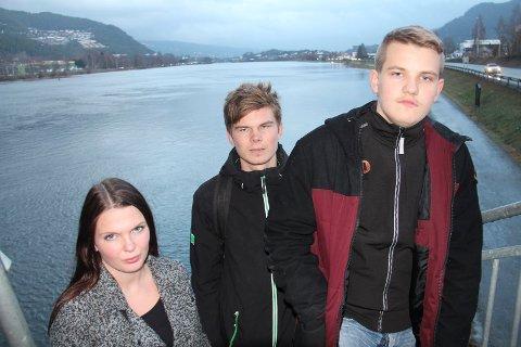 Vender ryggen mot Stor-Drammen: Kristin Gjerde, Vegard Bjørge og Sander Gustavsen har ikke gitt opp å beholde Nedre Eiker som selvstendig kommune.