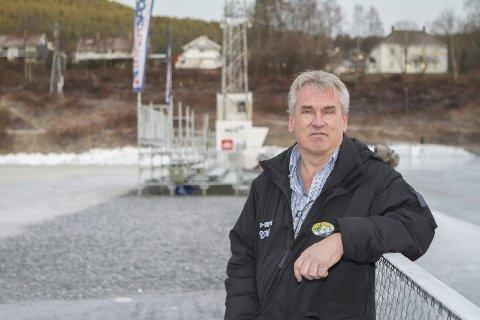 NYTT KLUBBHUS: Even Bolstad er leder i Solberg Sportsklubb og presenterer planer for nytt klubbhus.