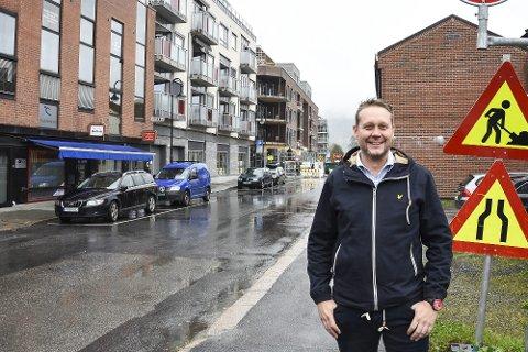 GRATISLØFTE: Øyvind Hvidsten, leder Nedre Eiker Arbeiderparti, lover å jobbe aktivt for at korttidsparkering, inntil fem timer fortsatt skal være gratis i Mjøndalen sentrum. Også etter år 2020.