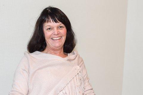 MUSIKKLÆRER: To ganger i uken siden september har Marit Sandhaug sunget og øvd sammen med elevene for å bli klare.