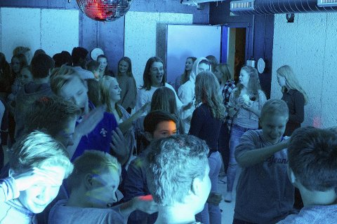ANNENHVER FREDAG: Ungdomsklubben på Ormåsen holdes åpen annenhver fredag og arrangeres på frivillig basis. Det trengs flere voksne for at dørene skal kunne holdes åpne framover. Begge foto: Arkiv