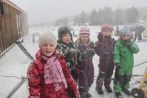 Helt kanon med snø: Solveig Havik-Holst, Even Abrahamsen, Madelen Ørmen, Frida Evensen Bekkelid og Sigurd Leander