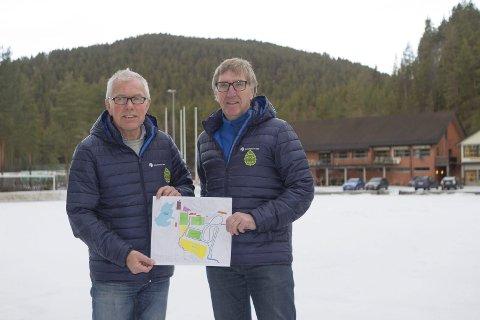Kan snart brette opp ermene: Kjell Øverby (t.v.) og Tron Skjønnberg fra styret i IBK er et skritt nærmere å få realisert planene om rulleski- og skianlegg, samt boligutvikling.  Arkivfoto: Anders Kongsrud