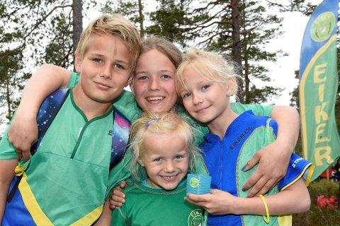 RASKE OG SMARTE: Søsknene Axelson fra Hokksund. Mathias (12), Amanda (13), Abelone Josefine (9) og Ofelia Leonora (5).