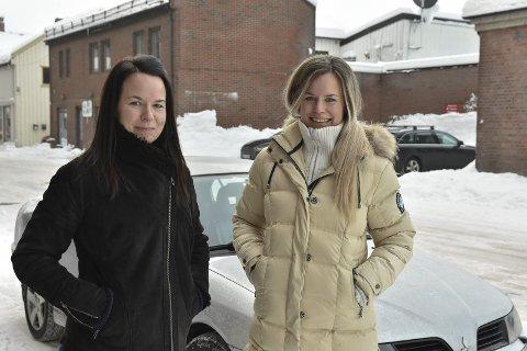 Frisører: Ingvill og Janita Gunnarsen skal kjøre rundt med bil for å klippe kunder der de er.