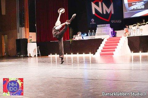 Joakim Visnes  er rå på dansegulvet.