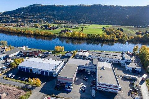 PÅGANG: Ifølge megleren har både investorer og brukere vist stor interesse for kombinasjonsbygget på Aaserud industriområde i Solbergelva.