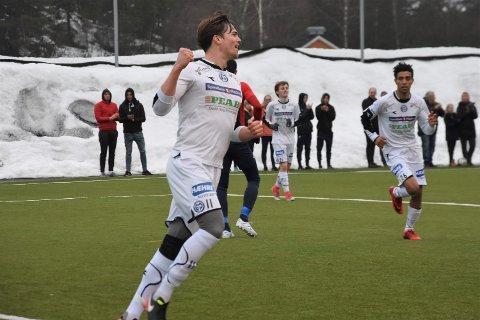 FEIRING: Sigbjørn Skatvedt fikk en pangstart som tilværelsen som nyvalgt kaptein. Fire mål er ikke hverdagskost.
