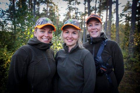 Live Stensrud, Hanne Kirsch Warlo og Lene Stensrud er klare for årets elgjakt.