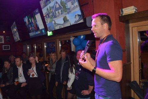 Jon Helgheim vurderer å støtte posisjons partiene i Viken.