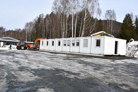 DET HVITE HUS: Brakkeriggen som skal huse de ansatte til brannskadene er utbedret.