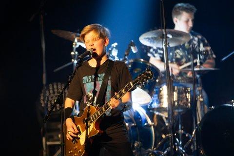 MELD DEG PÅ: Bildet viser en av fjorårets konserter med Snowblind - med Kristian Bjerkeset Solerød, Lars Anderson, Linus Anderson og Philip Rygh -  underholdt på UKM - Ung Kultur Møtes - på samfunnshuset i Mjøndalen.