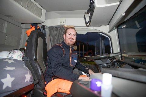 JUBILANT: Ole Anders Gisle fra Skotselv er lastebilsjåfør hos Isachsen Anlegg AS og fyller 30 år 29. oktober.