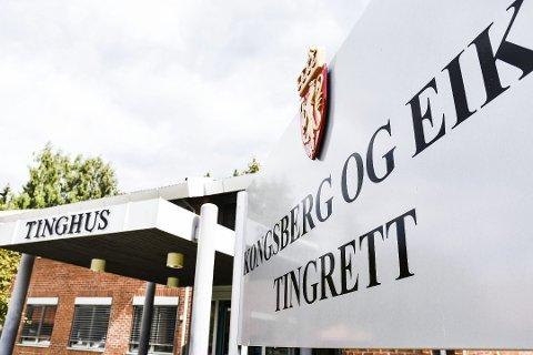 En mann i 50-årene fra Øvre Eiker må sone fire måneder i fengsel etter at han i tingretten ble dømt for tre villainnbrudd, i sommer, i Hokksund og Drammen.
