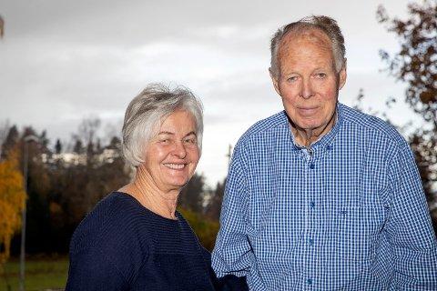 JUBILANT: Terje Loe (t.h.) har vært daglig leder av Loe Betongelementer i en årrekke - og fyller 80 år 5.november. Kona Astrid har stått ved Terjes side siden 1962.