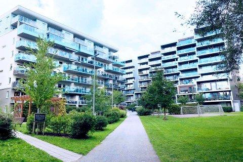 Utenfor hovedstaden har andelen boliglån som er i brudd med boliglånsforskriften økt fra 7,1 prosent i 1. kvartal til 8,6 prosent i 3. kvartal.