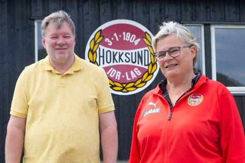 PARTNERSKAP: - Kvaliteten øker med bedre spillere, mener Tor Kristensen (t.v) som er sportslig leder og Marit Skretteberg som leder av håndballgruppa i Hokksund IL. Fra neste sesong inngår Hokksund «partnerskap» med restene av Skrims elitesatsing.