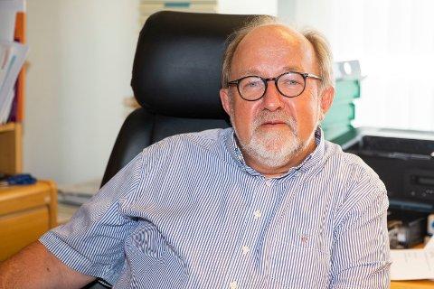PENSJONIST:  Hans Kristian Sveaas fra Vestfossen blir pensjonist fra stillingen etter 40 år som fastlege ved Nedre Eiker legekontor.