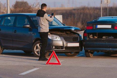 PASS PÅ: Mange velger bilferie fordi det gir stor fleksibilitet. I tillegg til felles naturopplevelser får man med seg mye bagasje og utstyr til aktiviteter. Hver sommer er mange nordmenn innblandet i trafikkulykker, og da gjelder det å holde hodet kaldt.