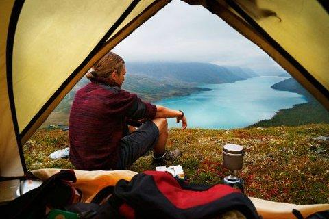 TOPP TI: Søk på FINN torget sier mye om etterspørsel blant det norske folk, og ferske tall viser at blant annet hagemøbler, sykler, telt og kajakk er på topp ti listen over mest populære søkeord i juni.