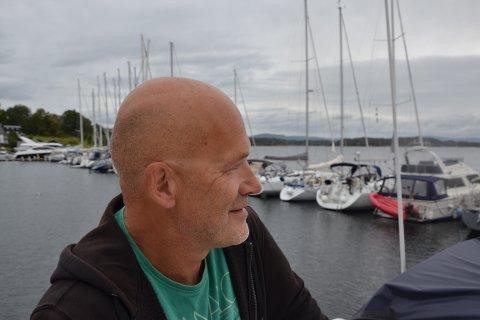 NIKS: Jæger har bodd i båt i to år. – Jeg ville ikke ha byttet med noen! sier han.