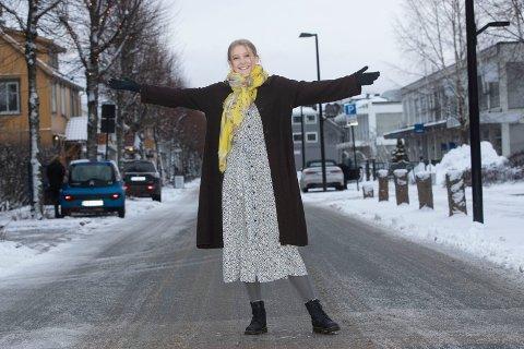 POPSTJERNE: Vårin Strand fra Hokksund hadde et gjennombrudd med «Lovers In Memory» som ble listet og spilt på radio i 2020.
