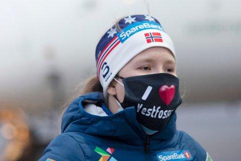 LEI MUNNBIND: Helene Marie Fossesholm legger ikke skjul på at hun kommer fra Vestfossen, men innrømmer at hun er lei av munnbind. Neste uke starter ski-VM i Oberstdorf.